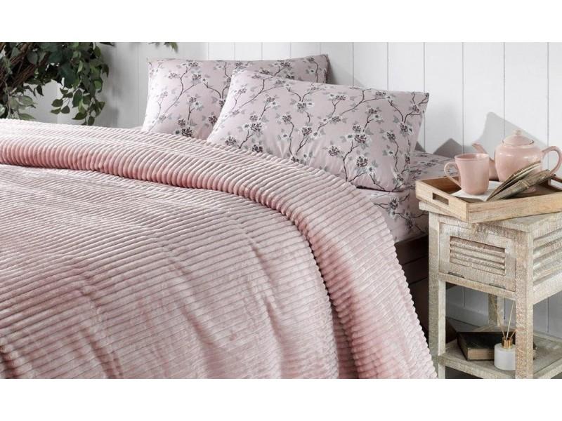 Одеяло с релеф + чаршаф и калъфки SMOOTH розово