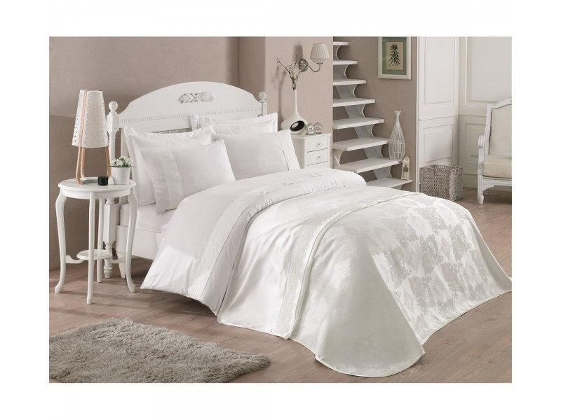 Делукс Veronika двоен спален комплект с покривка от жакард и дантела - бяло