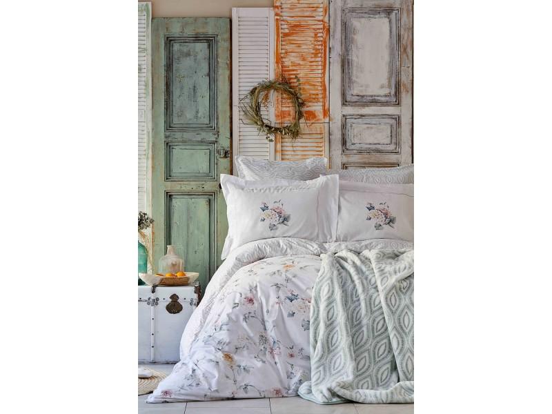 Двоен спален комплект + одеяло LUMINOSA